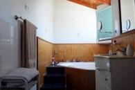 casa-baja-dormitorio-principal-bano