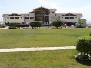 Terreno de 5000 m2 con edificio potencial negocio hotelero - eventos - recreación  Empresas
