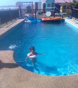 potencial-negocio-hotelero-eventos-parcela-de-agrado-con-edificio-playa-de-los-quinquelles-piscina-grande