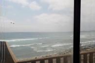 Vista del oceano pacifico desde el patio - Chile - Casa grande en venta al lado del mar